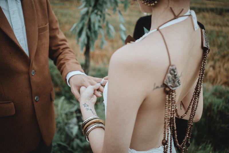 Tu-Nguyen-Destination-Wedding-Photography-Elopement-Vietnam-Pali-Louis-w-120.jpg