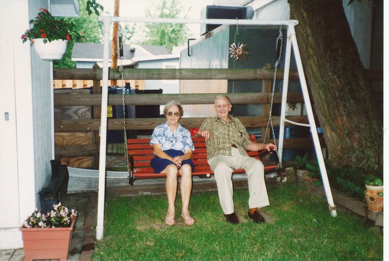 Eliza Mae Clark & Ellis Sullivan (July 1999).jpg