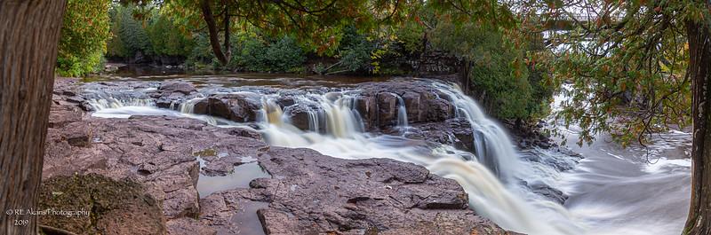 Upper Gooseberry Falls Pano 1091.jpg