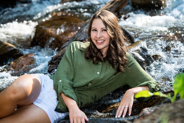 Julia's Senior Portrait THS 2020
