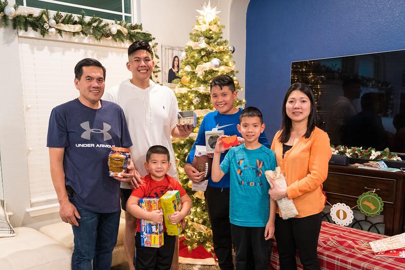 20191225_christmas-ho-family_061.jpg