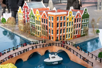 19/11/19 - DFDS ferries - Giant Amsterdam inspired cake