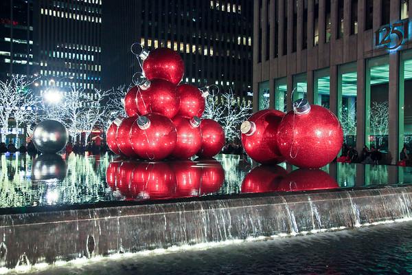 Christmas spirit in New York - December 3, 2011