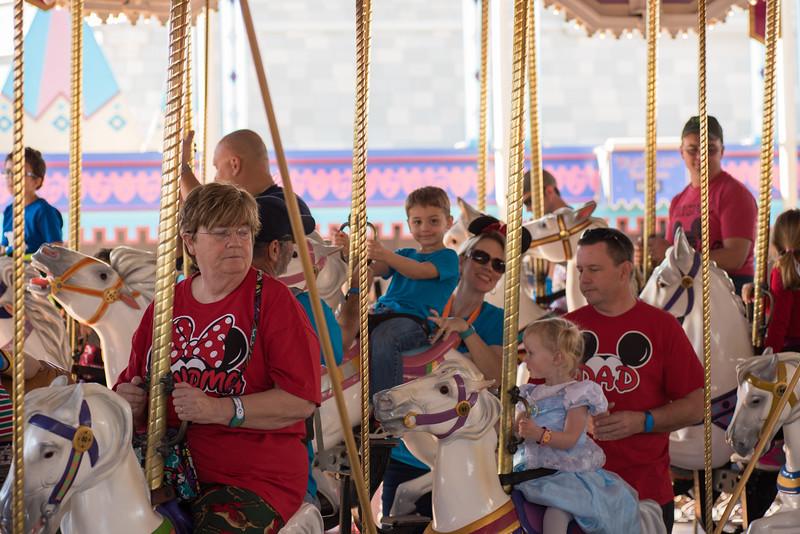 Mire carousel III.jpg