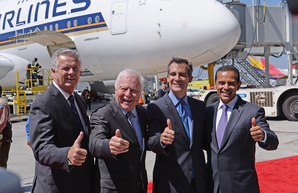 . At LAX, dignitaries gathered to open the new Tom Bradley International Terminal. L to R: Former Mayors James Hahn and Dick Riordan with current Mayor Eric Garcetti and former Mayor Antonio Villaraigosa (Wed. Sept 18, 2013 Photo by Brad Graverson/The Daily Breeze