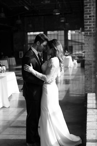 Kate&Josh_B&W_ZACH.WATHEN.PHOTOGRAPHER-285.jpg