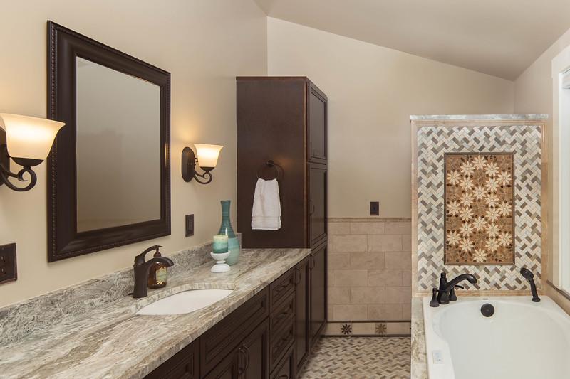 Bath tub wall.jpg