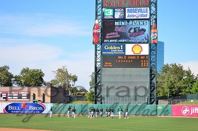 2013 Dixon Varsity vs. Union Mine at Raley Field