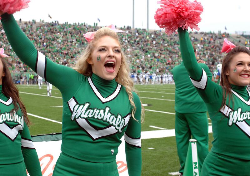 cheerleaders5040.jpg
