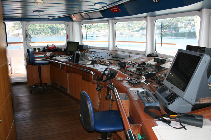 2011 - On board M/S LE PONANT : the bridge.