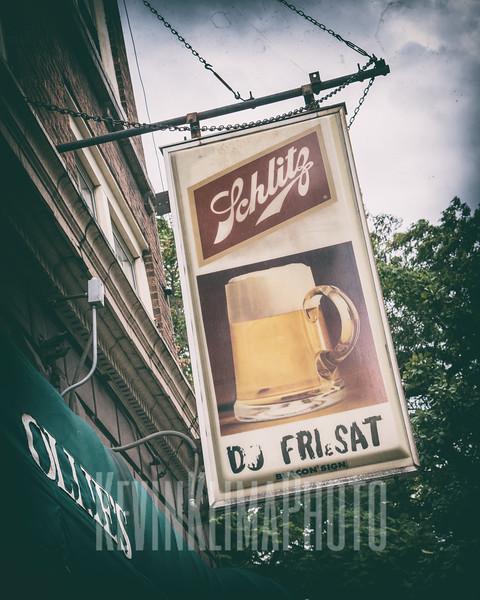 Schlitz Beer - Ollie's Lounge  (closed)