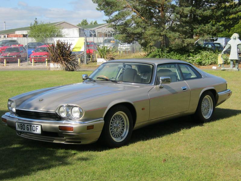 Jaguar Topaz Gold (metallic)