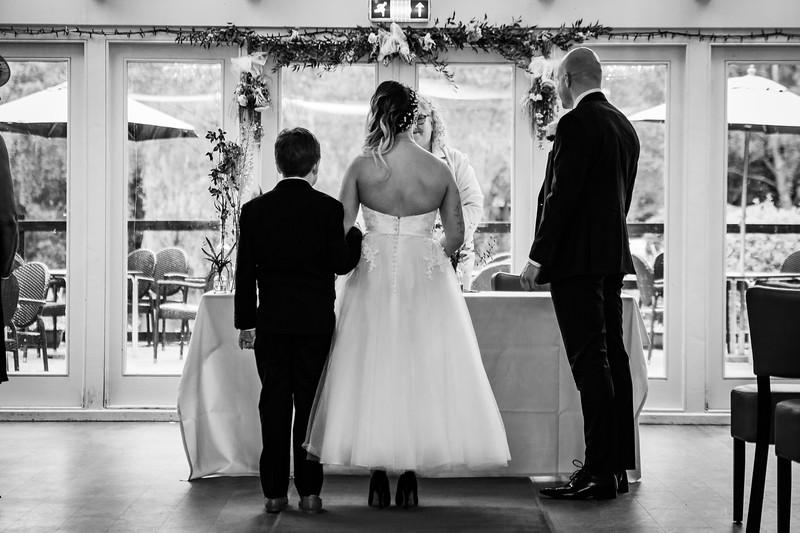 Sam_and_Louisa_wedding_great_hallingbury_manor_hotel_ben_savell_photography-0049.jpg
