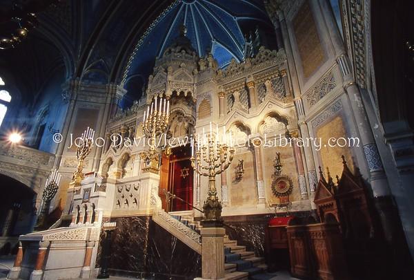 HUNGARY, Szeged. Great Synagogue. (2004)