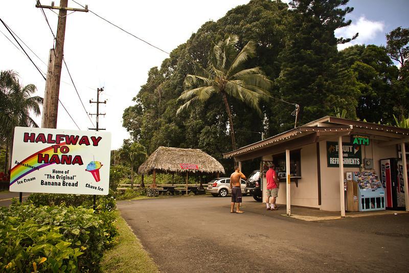 road to hana halfway.jpg