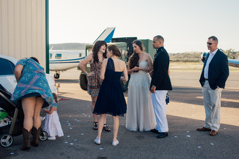 Kevin and Hunter Wedding Photography-12894940.jpg