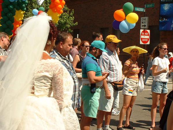 Pride Parade 2001-45-1.jpg