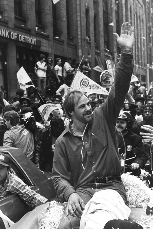 . **ADVANCE FOR WEEKEND EDITIONS OCT 19-23** FILE** Detroit Tigers\' Kirk Gibson waves to the crowd in this Oct. 17, 1984 file photo during the ticker-tape parade through downtown Detroit in honor of the World Series champion Tigers. Tram, Gibby and Lance _ key players for Detroit the last time it was in the World Series _ led the Tigers on the field from 2003-05, then were fired to make room for manager Jim Leyland and his staff.  (AP Photo/Mark Cornillie, File)