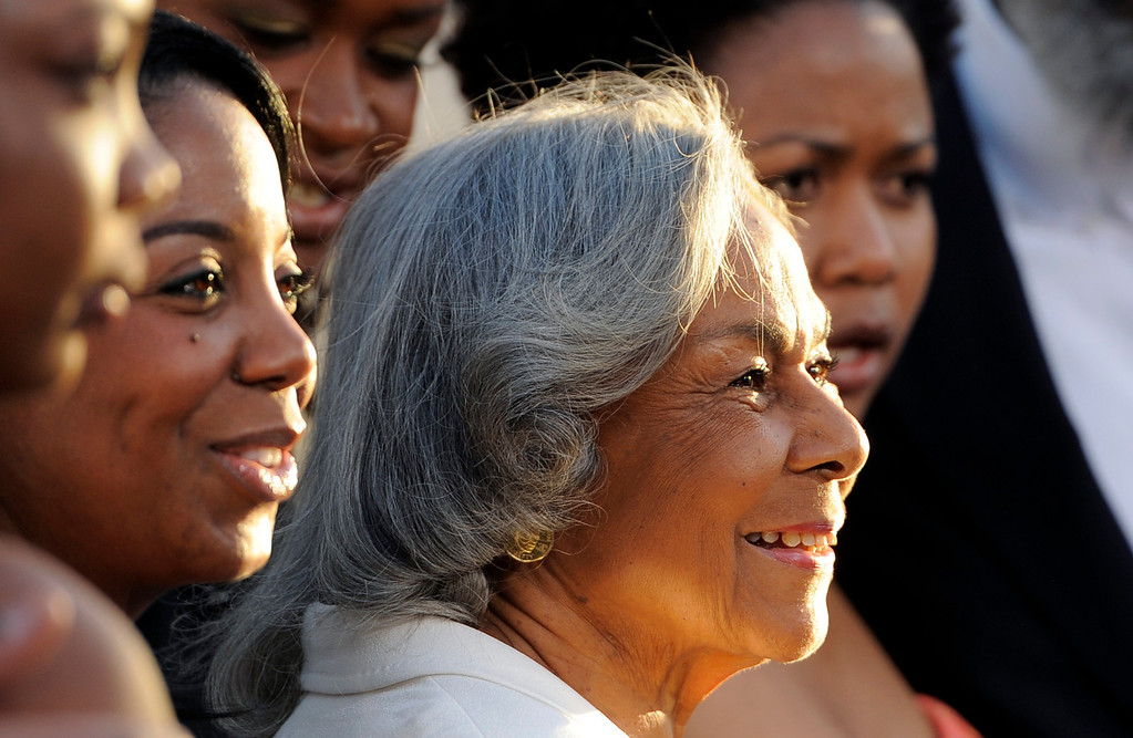 ". Baseball legend Jackie Robinson\'s widow Rachel Robinson poses with family members at the Los Angeles premiere of ""42\"" at the TCL Chinese Theater on Tuesday, April 9, 2013 in Los Angeles. (Photo by Chris Pizzello/Invision/AP)"