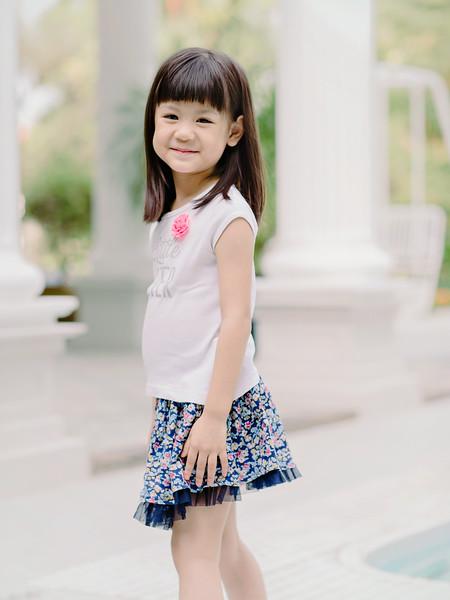 Lovely_Sisters_Family_Portrait_Singapore-4451.JPG