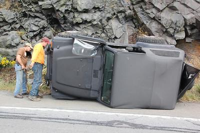 Jeep Overturns, Hometown Hill, SR309, Tamaqua (9-24-2012)