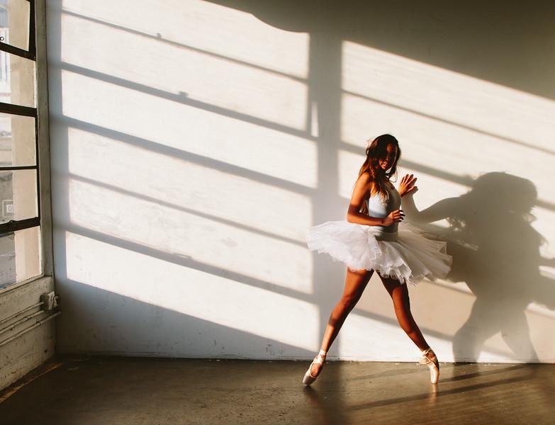 @jennie.palomo 5'5 | 113lbs  Ethnicity: Japanese Mix  Skills: Attractive Mix Japanese, Expert Dancer, Pilates, Yoga, Hip Hop Performer