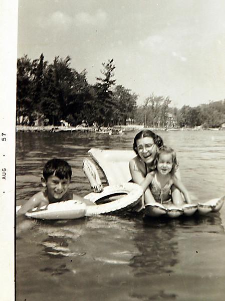 Aunt Gladys with George & Karen.JPG