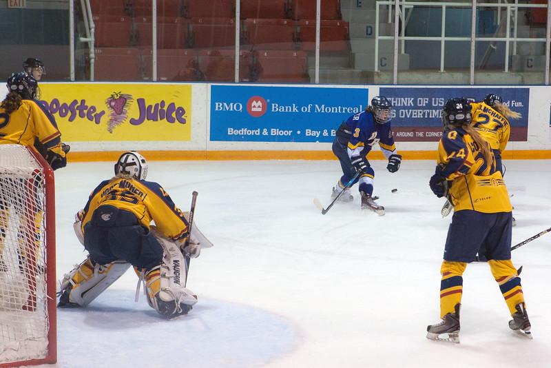 20130310 QWHockeyvsUBC 287.jpg