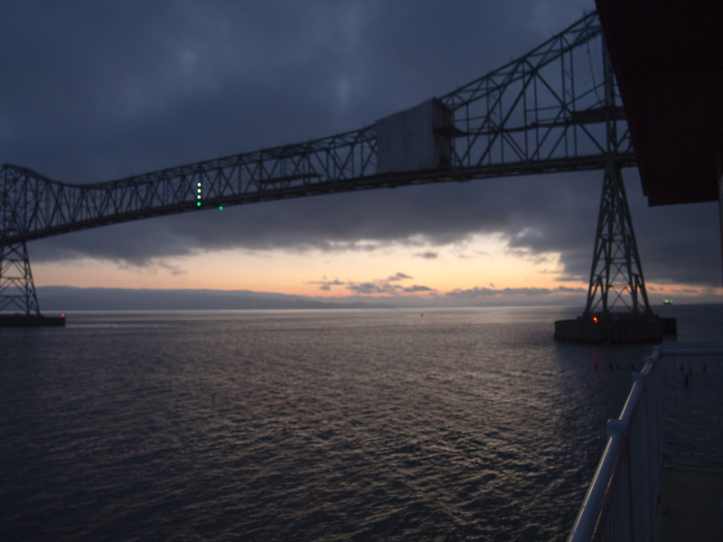 Sunrise across the Columbia River