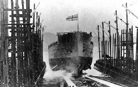 HMS Warspite being launched in 1915