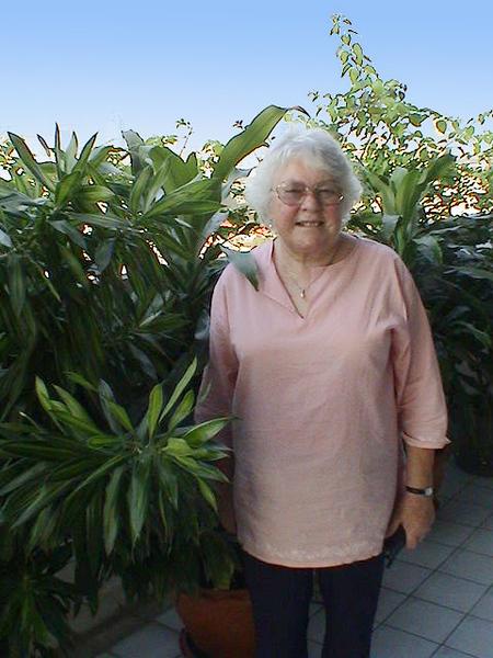 2004-2-22 5 31pm Mum with plants (Bangkok).jpg