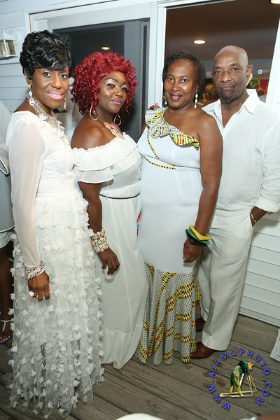 MAXINE GREAVES PURE WHITE ONTHE BAY A TOUCH OF AFRICA-5.jpg