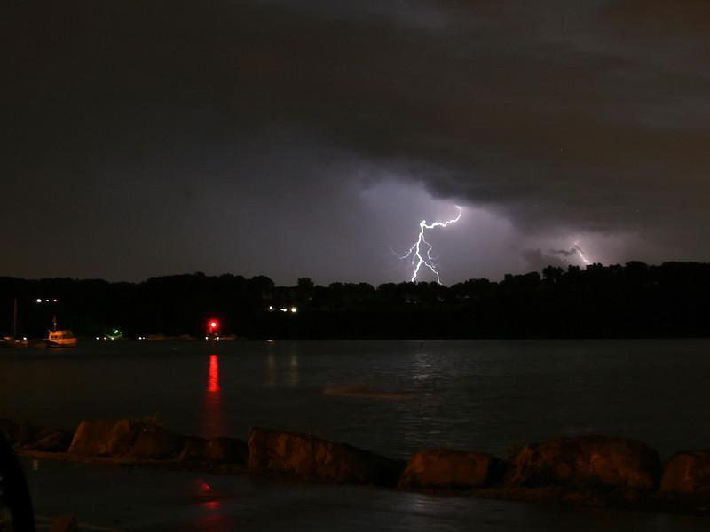 lightning_irond_02_4x3_07232008.jpg