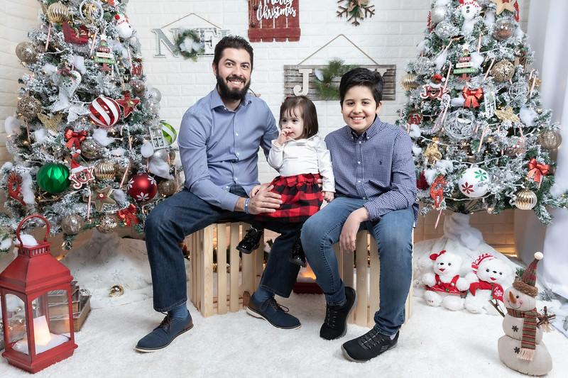 12.21.19 - Fernanda's Christmas Photo Session 2019 - -54.jpg
