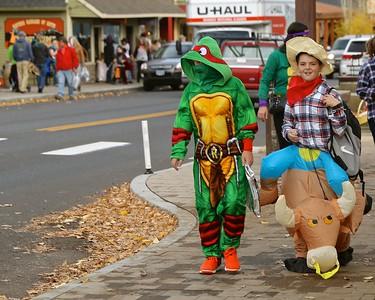 Fir Street Park Halloween Parade 2016 10-31-2016