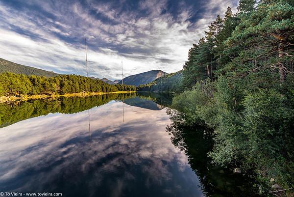 Andorra - montanhas e lago