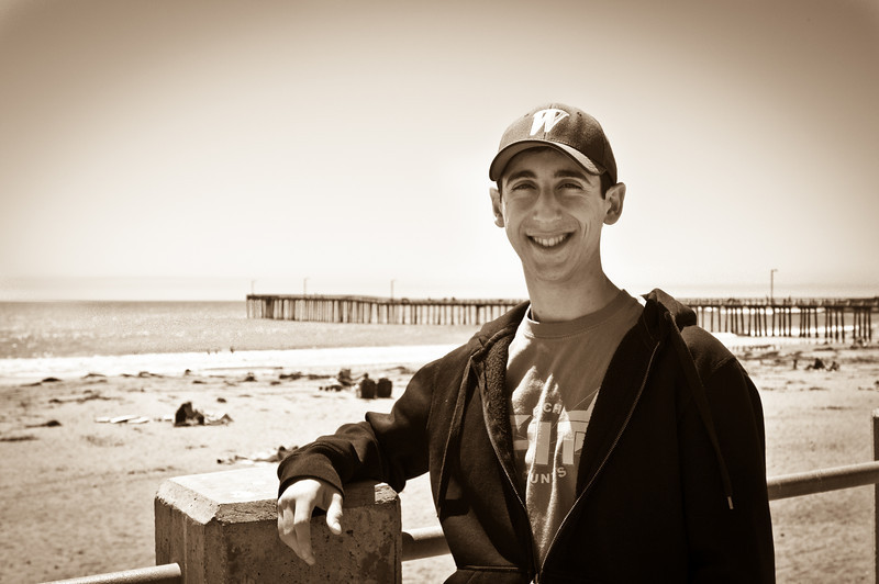 Ben in front of the pier at Cayucos. My cousins were here having a mini vacation with the kids and we met them on the beach, had amazingly delicious fish tacos (my mother still raves about them months later) and just relaxed