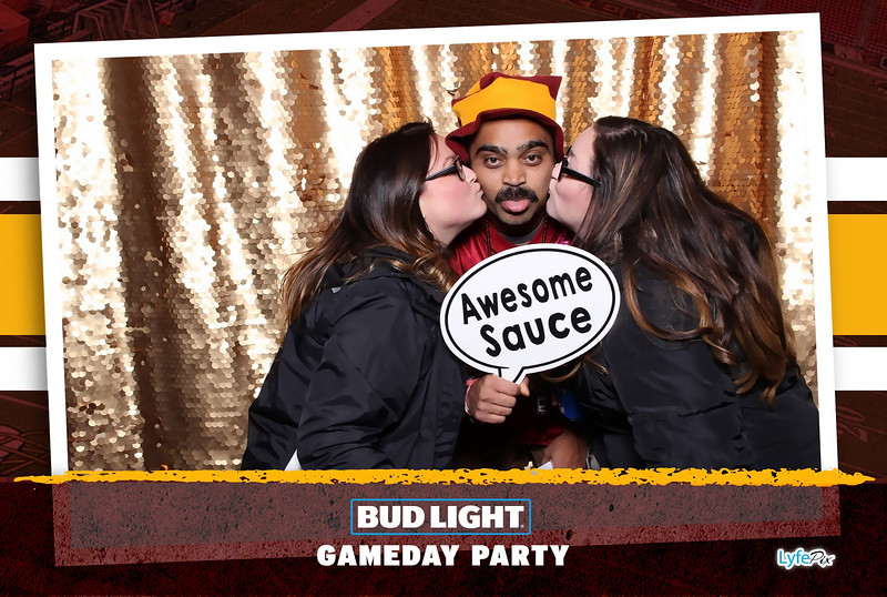washington-redskins-philadelphia-eagles-football-bud-light-photobooth-20181203-211315.jpg