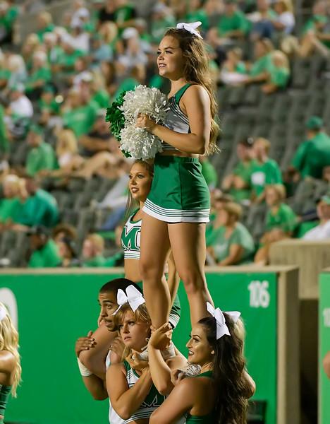 cheerleaders8698.jpg