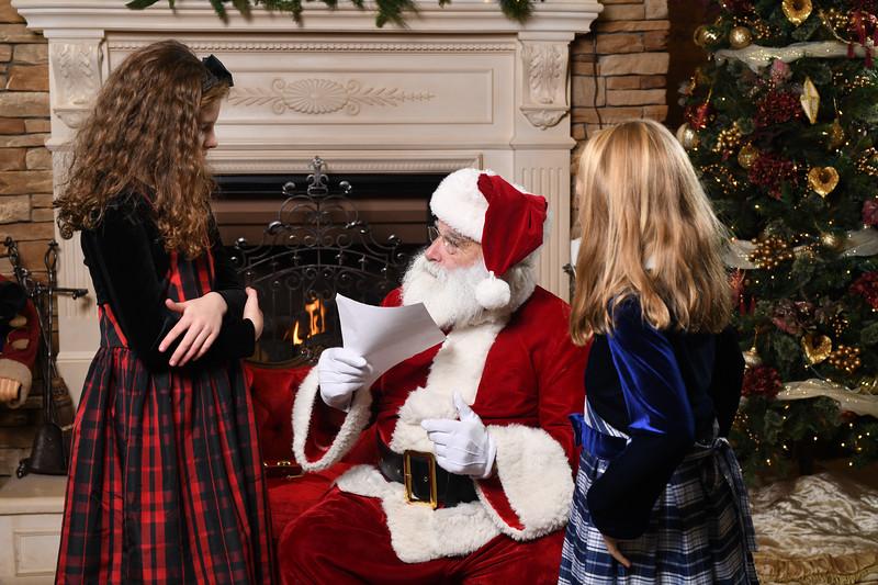 Santa2018.TylerBoye.-105.jpg