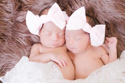 Newborn | Diaz Twins