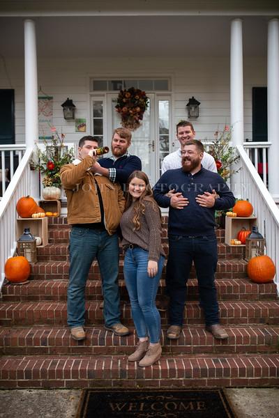 2019 November Ellis Family-176-178.jpg