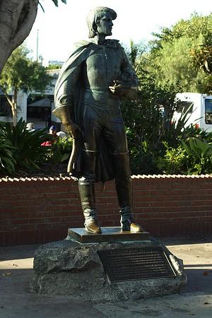 Felipe de  Neve Statue