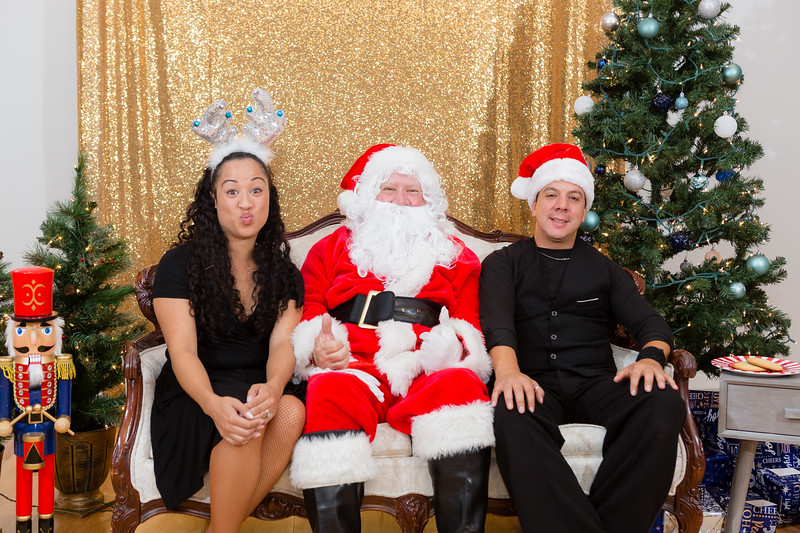 FADS Picture with Santa-388.jpg