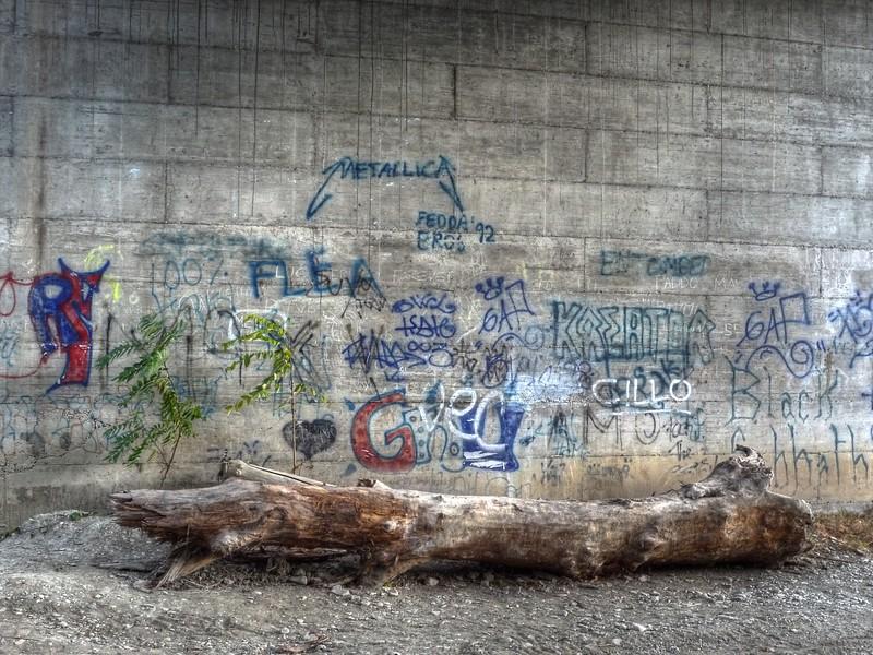 Graffiti along the Crostolo River - Reggio Emilia, Italy - October 30, 2008