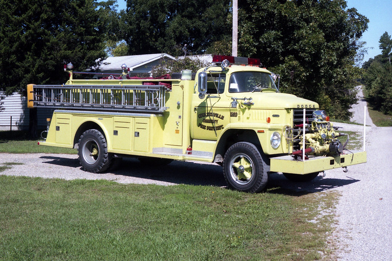 COULTERVILLE  ENGINE 30  1972 DODGE 800  - TOWERS  750-1000.jpg