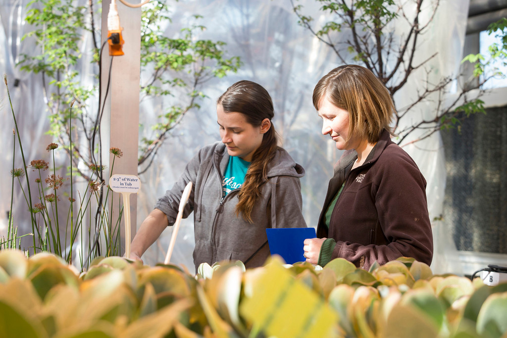 . Horticulture major Nicole Jackson and Temple University Ambler Horticulturist Kathryn Reber.  photo by Betsy Manning