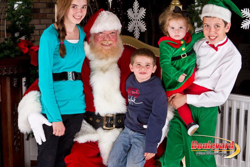Santa Dec 8-313.jpg