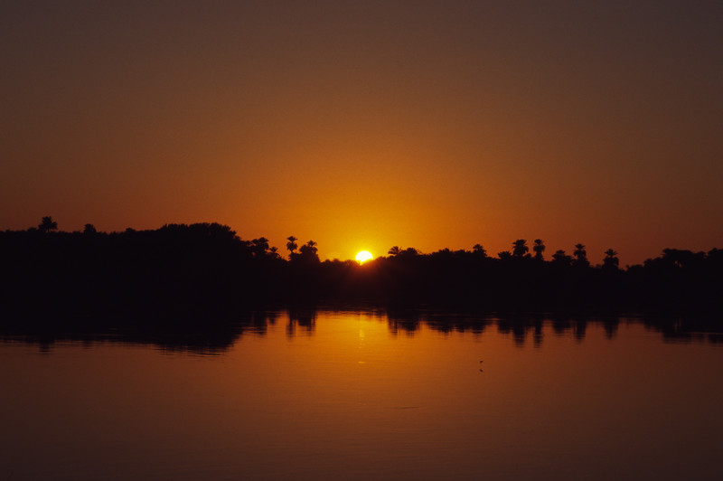 Nilüberquerung bei Sonnenuntergang