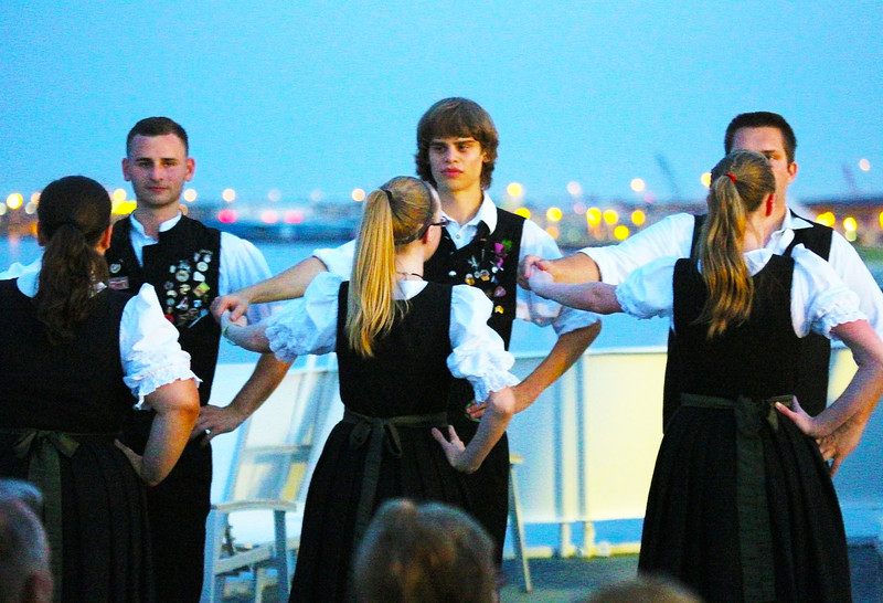 Group of young German dancers that evening.
